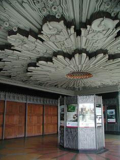 The Pellissier Building and adjoining Wiltern Theatre is a Art Deco landmark at the corner of Wilshire Boulevard and Western Avenue in Los Angeles, California. Arte Art Deco, Art Deco Bar, Estilo Art Deco, Art Deco Design, Architecture Art Nouveau, Beautiful Architecture, Art And Architecture, Architecture Details, Beautiful Buildings