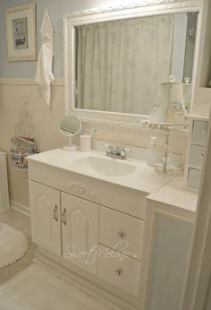 ~Sweet Melanie~: How to make a TINY bathroom Work