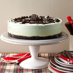 Frozen Grasshopper Torte Recipe- Recipes I first made this minty cool torte for a ladies' meeting at our church. I'm still making it, and the compliments keep coming. Christmas Desserts Easy, Christmas Baking, Holiday Cakes, Christmas Treats, Christmas Cookies, Holiday Baking, Holiday Treats, Xmas Food, Christmas 2014
