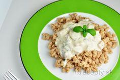 Pohánkové halušky s jogurtovo-šampiňónovou omáčkou | fitrecepty.sk Tofu, Quinoa, Risotto, Smoothie, Oatmeal, Food And Drink, Veggies, Low Carb, Cooking
