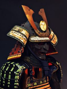A Kabuto is a helmet used with traditional Japanese armor usually worn by the samurai class. Kabuto Samurai, Samurai Helmet, Samurai Armor Diy, Real Samurai, Japanese Warrior, Japanese Sword, Kendo, Samourai Tattoo, Bushido