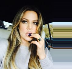 Newly single Khloe Kardashian is pretty in pastels at womens event kc caballero Kourtney Kardashian, Kardashian Jenner, Kardashian Family, Kardashian Kollection, Kendall Jenner, Divas, Glamour, Makeup Inspiration, Her Hair
