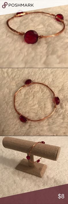 Red acrylic bead rose gold bangle This beautiful bangle goes beautifully in a set. hand-crafted Jewelry Bracelets
