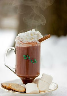 Hot Cocoa for a cold winter day.KIMMI, for our hot chocolate bar:) Mince Pies, Hot Chocolate Bars, Chocolate Coffee, Mint Chocolate, Tasty, Yummy Food, Winter Drinks, Christmas Time, Merry Christmas
