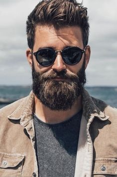 View the best mens hairstyles from Charlemagne Premium male.charlemagne-p… View the best mens hairstyles from Charlemagne Premium male grooming and beard - Trending Beard Styles, Beard Styles For Men, Hair And Beard Styles, Short Hair Styles, Cool Haircuts, Haircuts For Men, Cool Hairstyles, Ponytail Hairstyles, Barba Grande