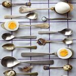 idea to serve deviled eggs // Idha Lindhag, Photographer Food Photography Styling, Food Styling, Egg And Spoon Race, Food Presentation, Food Design, Cooking Recipes, Cooking Tools, Kid Cooking, Skillet Recipes