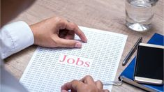 Ready to get a foot in the door of your new career? These are the entry-level jobs with the most attractive future prospects. Marketing Jobs, Financial News, New Career, Entry Level, Business News, Stock Market, Finance, Canada, Let It Be