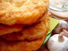 Zemiakové lángoše kyprých tvarov (fotorecept) Apple Pie, Ale, Pizza, Desserts, Food, Basket, Meal, Ale Beer, Deserts