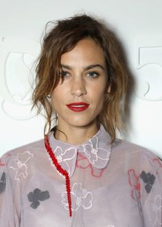 "alexachungdirectory: "" Alexa Chung attends the Gala Dinner during London Fashion Week Spring/Summer collections on September 2016 in London, United Kingdom "" Alexa Chung Style, Girls Lipstick, Shops, Ootd, Trends, Girl Crushes, Dress To Impress, Anne Hathaway, Style Icons"