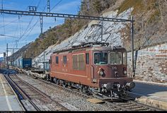 Net Photo: 178 BLS Lotschbergbahn Re 425 (Re at Hohtenn, Switzerland by Georg Trüb Location Map, Photo Location, Swiss Railways, See Picture, Locomotive, Switzerland, Trains, Electric, Pictures