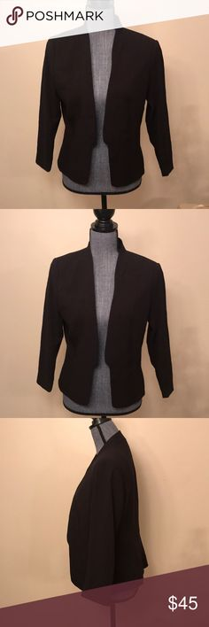 H&M black blazer Classy blazer open front style. Super comfy. Worn once for an interview. Size: 10 Measurements: 19 inch B. 24 inches length. H&M Jackets & Coats Blazers