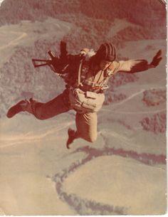 pro-patria-mori: Russian paratrooper in Afghanistan.
