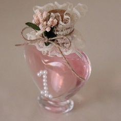 Kolonya şişesi Special Day, Diy And Crafts, Favors, Vase, Bottle, Birthday, Flowers, Gifts, Inspiration