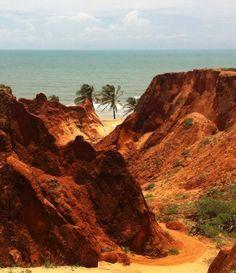Falésias de Canoa Quebrada no Estado do Ceará - Brasil