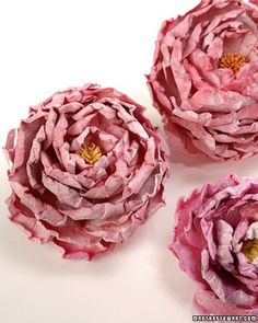 DIY Paper Peonies - Lisa Yuen shares her technique for making paper peonies. Faux Flowers, Diy Flowers, Fabric Flowers, Paper Flowers, Flower Ideas, Flower Patterns, How To Make Paper, Crafts To Make, Diy Crafts