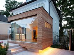 Sleek Glass and Wood House Extension With Matching Swimming Pool House Extension by Aichberger Architektur Studio House In The Woods, My House, Swimming Pool House, Glass Extension, Extension Ideas, Villa, Timber Cladding, Cladding Ideas, House Cladding