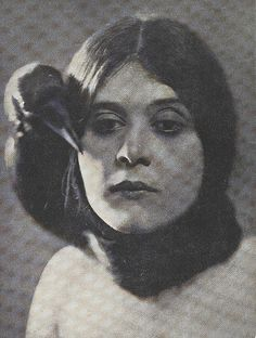 "Mlle. Theda Bara"". The Lotus Magazine 8 (4): 173. January 1917."