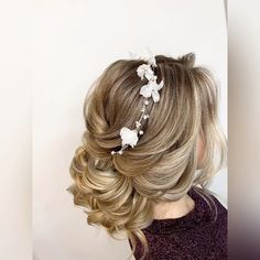 Fancy Hairstyles, Brides Hairstyles Updo, Bridal Party Hairstyles, Elegant Wedding Hairstyles, Wedding Hairstyles For Curly Hair, Medium Length Wedding Hairstyles, Flower Hairstyles, Quince Hairstyles, Special Occasion Hairstyles