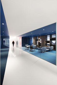 Office Raumgestaltung mit positiver Arbeitsatmosphäre