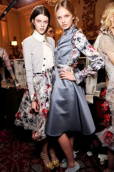 Giles Londra - Collections Fall Winter - Backstage - Shows - Vogue. Giles Deacon, Party Frocks, Backstage, Fashion Accessories, Fall Winter, Dress Up, My Style, London Fashion, How To Wear
