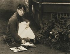 'If you take a flower in your hand and really look at it, it's your world for a moment'       Georgia O'Keeffe  Georgia by A.Stieglitz, 1918