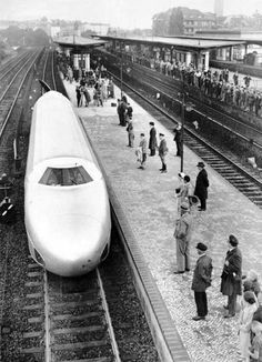 """The historic arrival of the famous """"zeppelin on rails"""" in Berlin early on the morning of the of June, Zeppelin, Photos Du, Old Photos, Vintage Photos, Locomotive, Gilles Villeneuve, Old Trains, Vintage Trains, S Bahn"""