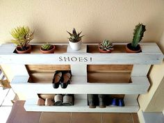 DIY Easy Pallet Shoe Rack/kreativk.net