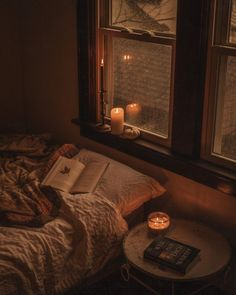 Brown Aesthetic, Aesthetic Room Decor, Aesthetic Grunge, Cozy Aesthetic, Aesthetic Vintage, My New Room, My Room, Decoration, Light In The Dark