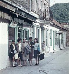 Multimedia, Cary Grant, Old Houses, Street Photography, Bun Bun, Street View, Retro, World, Anna