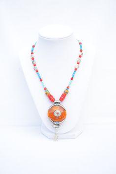 Tibetan Amber Om Mantra Spiritual Necklace. Om Pendant. Spiritual Jewelry. Yoga Necklace. Meditation Jewelry. Buddhist Jewelry. Om Mantra. by flashinfashinjewelry. Explore more products on http://flashinfashinjewelry.etsy.com