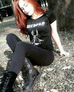 I want that shirt! Heavy Metal Mode, Heavy Metal Fashion, Heavy Metal Girl, Dark Fashion, Gothic Fashion, Metal Shirts, Edgy Outfits, Cute Outfits, Fashion Outfits