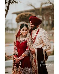 Bookmark These Ultimate Wedding Photographers in Ludhiana Indian Wedding Couple, Sikh Wedding, Punjabi Wedding, Wedding Couples, Wedding Story, Wedding Goals, Cute Couple Poses, Sikh Bride, Pre Wedding Poses