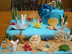 Ocean - sea cake - Ocean, stingray, octopus -  Details are fondant, royal icing and candy melts