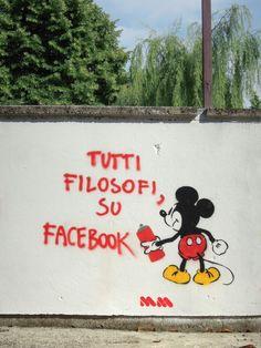 Tutti filosofi, su Facebook.