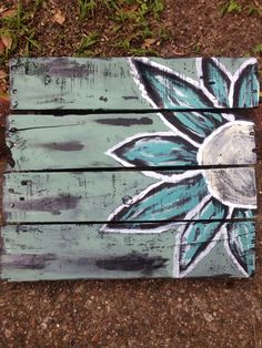 This was my Mothers Day gift to my wife! Reclaimed pallet wood art.