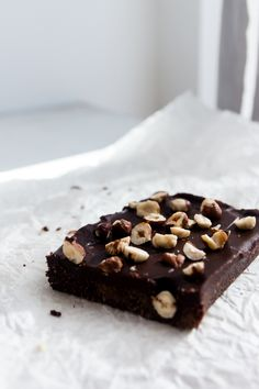 no-bake hazelnut ganache brownies (gf/sf)