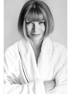 Anna Wintour en peignoir photographiée par mario testino