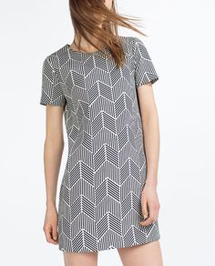 Image 1 of PRINTED STRAIGHT CUT DRESS from Zara