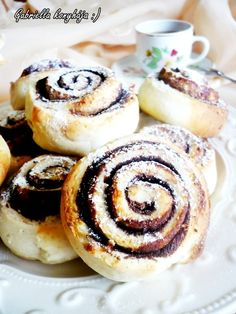 Kakis Csiga, Budapest, Hungary - A breakfast-type pastry of spiral-shaped dough swirled with chocolate. Hungarian Cuisine, Hungarian Recipes, Hungarian Food, Snails Recipe, Kakis, Chocolate Roll, Good Food, Yummy Food, Just Eat It