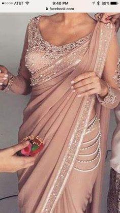 #pintrest@Dixna deol Saree Gown, Sari Dress, Saree Blouse Patterns, Saree Blouse Designs, Indian Wedding Outfits, Indian Outfits, Look Fashion, Indian Fashion, Fashion Ideas