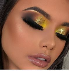 Sweet yellow eye makeup and glossy lips, # Check more at phoneix. Yellow Eye Makeup, Bright Eye Makeup, Dark Eye Makeup, Dramatic Eye Makeup, Hooded Eye Makeup, Makeup For Green Eyes, Glam Makeup, Colorful Eye Makeup, Hooded Eyes