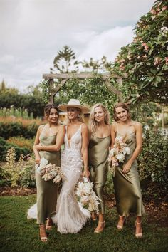Then this bridesmaid dresses inspiration could be the one for you! Love how the velvet gowns in warm hue provide such. Olive Green Bridesmaid Dresses, Satin Bridesmaid Dresses, Wedding Bridesmaids, Wedding Attire, Wedding Dresses, Bali Wedding Dress, Satin Dresses, My Big Fat Gypsy Wedding, Boho Wedding
