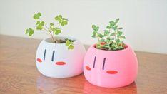 Small Indoor Plants, Kawaii Faces, Cute Bedroom Ideas, Kawaii Room, Painted Pots, Succulent Pots, Window Sill, Pen Holders, Clay Creations