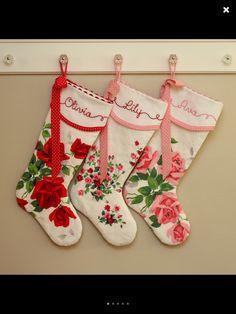 Shabby Chic Christmas Stockings, Vintage Christmas Crafts, Xmas Stockings, Christmas Sewing, Christmas Diy, Christmas Decorations, Christmas Quilting, Nordic Christmas, Modern Christmas