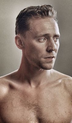 """the-haven-of-fiction: """"~ Tom Hiddleston as William Shakespeare's Coriolanus ~ """" Thomas William Hiddleston, Tom Hiddleston Loki, Face Study, Loki Marvel, Loki Thor, Avengers, Yoda Images, Portrait Sketches, Tommy Boy"""