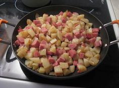 Fried Spam and Potatoes-kl Recipe Spam Breakfast Recipe, Breakfast Recipes, Brunch Recipes, Breakfast Dishes, Breakfast Ideas, Potato Recipes, Pork Recipes, Cooking Recipes, Dining
