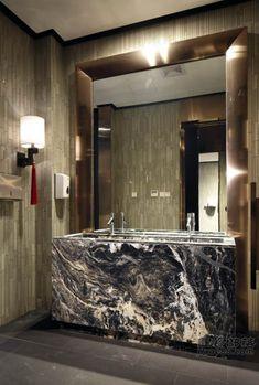 Bathroom Trends, Bathroom Spa, Bathroom Toilets, Washroom, Home Design Decor, Bathroom Interior Design, House Design, Bathroom Designs, Toilet Design