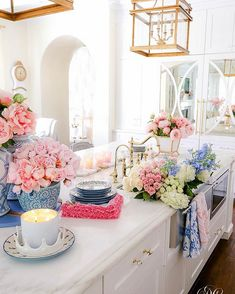 Southern Charm Inspired Spring Home Tour - Randi Garrett Design Decorating Tips, Decorating Your Home, Country Chic Cottage, Home Improvement Loans, Spring Home, Spring Style, Ginger Jars, Home Decor Inspiration, Decor Ideas