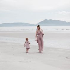 Mum to be Hannah and little Frankie from @blondeandbone looking so gorgeous in their Numero74 dusty pink matching Mia Dresses.