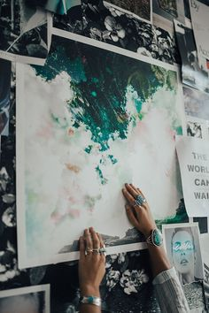 UO DIY: Arranging Wall Art with Tessa Barton - Urban Outfitters - Blog